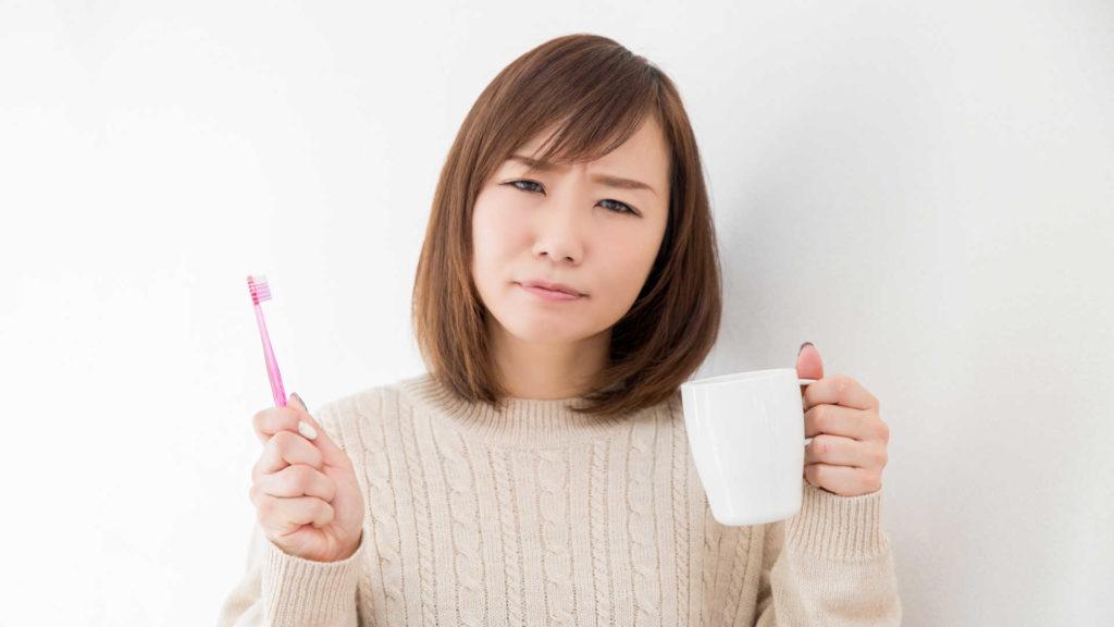 口臭・虫歯予防に効果的な歯磨きの後にうがいをする回数!